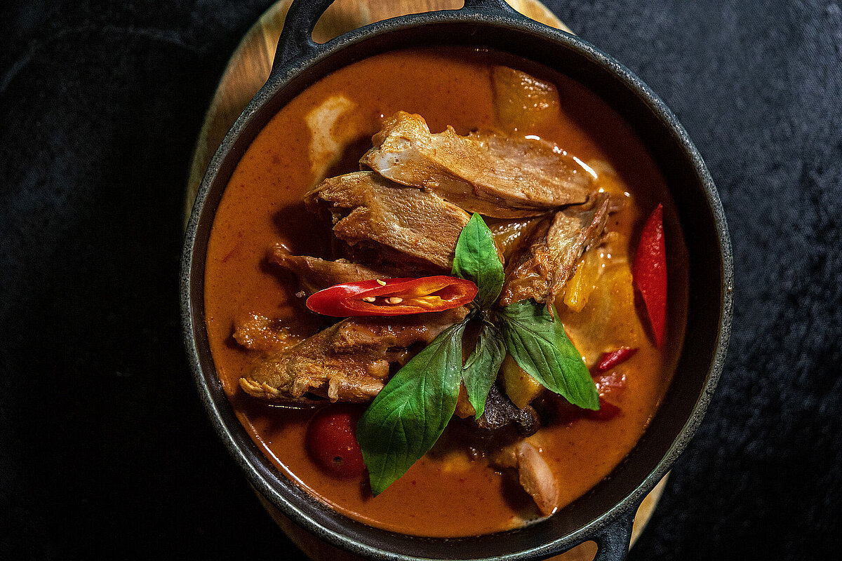 Chaophraya thai curry